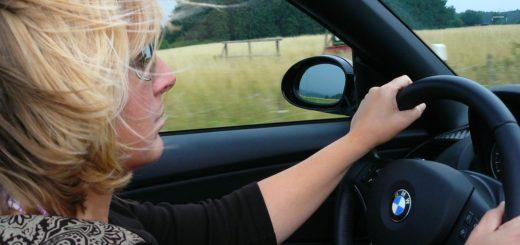 Mobil a řízení