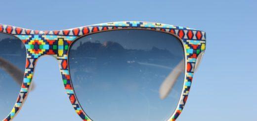 Sluneční brýle na parádu. Jaké tvary jsou letos v módě?